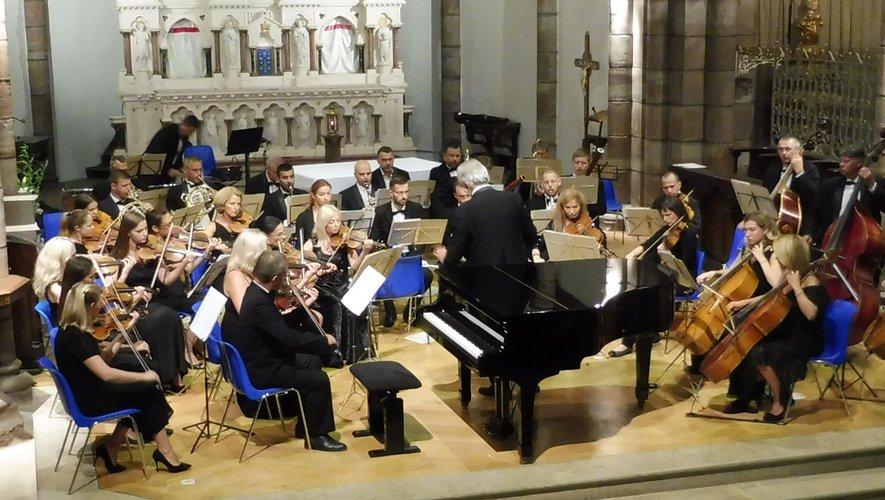 Le talent de l'orchestre philarmonique de Kharkov et de F. Eulry