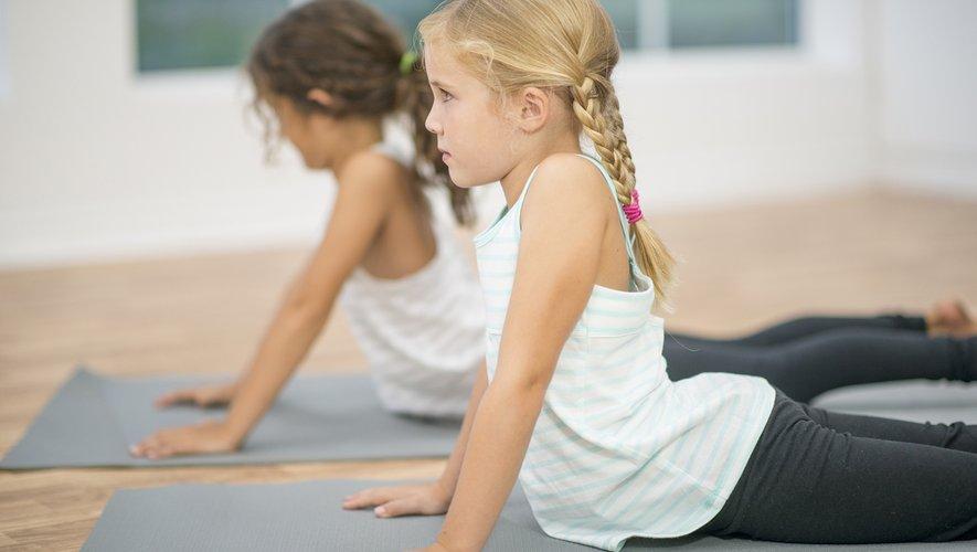 Les bienfaits du yoga sont nombreux et s'appliquent également aux enfants