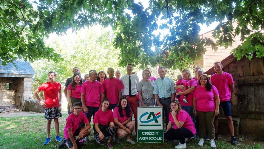 Les bénévoles de l'association ont accueilli avec joie l'aide du Crédit Agricole.