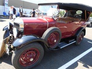 La voiture Unic Torpédo restaurée avec rigueur et passion.