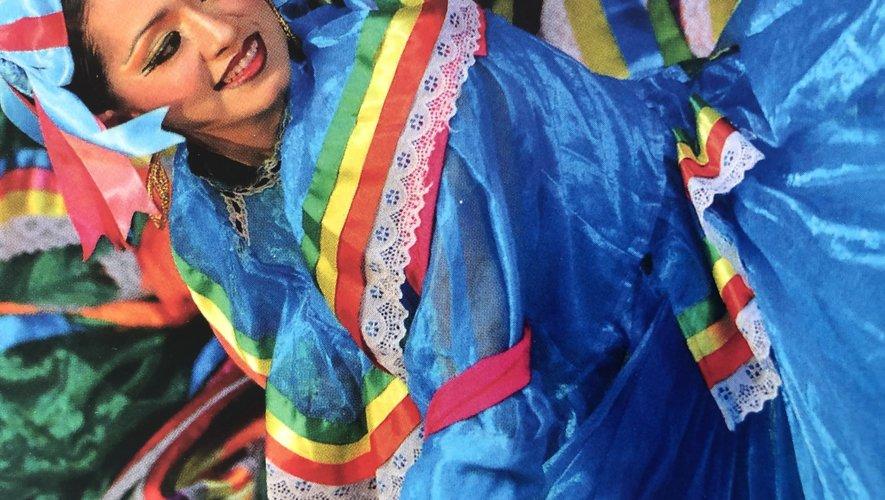 Les couleurs chatoyantes des robes du folklore mexicain.