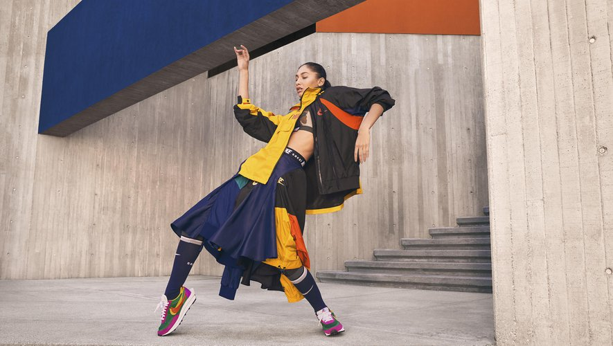 Chitose Abe joue sur les contrastes, les superpositions et la déconstruction pour la collection Nike x Sacai.