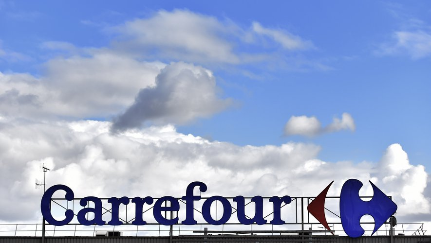 """Carrefour va tester à partir de septembre en France deux magasins de """"discount soft"""" à l'enseigne Supeco"""