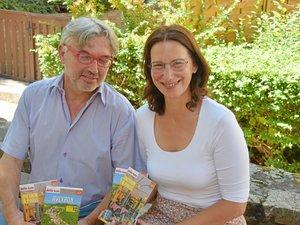 Tristan Cuche et Corinne Delattre Chavanon ont présenté, ce vendredi à Rodez, l'édition 2019-2020 du Petit Futé Aveyron et son guide Aveyron à Paris, offert avec grâce au partenariat signé avec la Fédération des Aveyronnais d'ici et d'ailleurs.