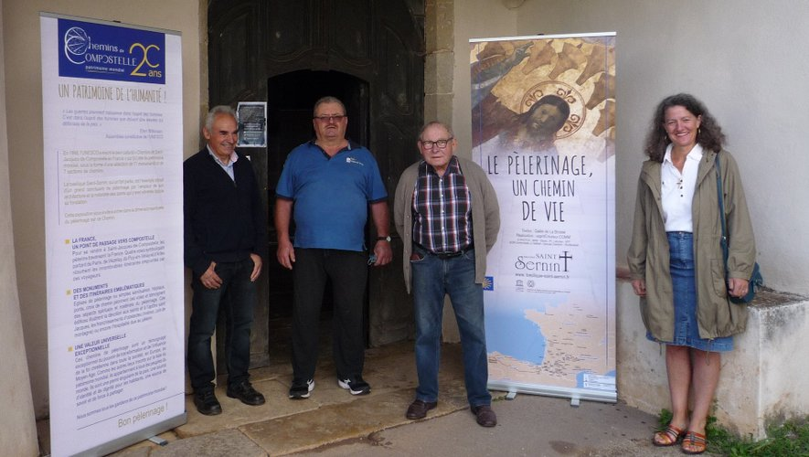 L'exposition venait de St-Pierre-de-Bessuéjouls avec Michel Maurel qui a aidé Brigitte Ginisty, Jean Privat et André Couailhac à l'installation.
