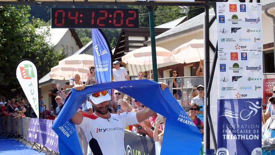 Sébastien Fraysse conserve son titre de champion de France sur la distance L.