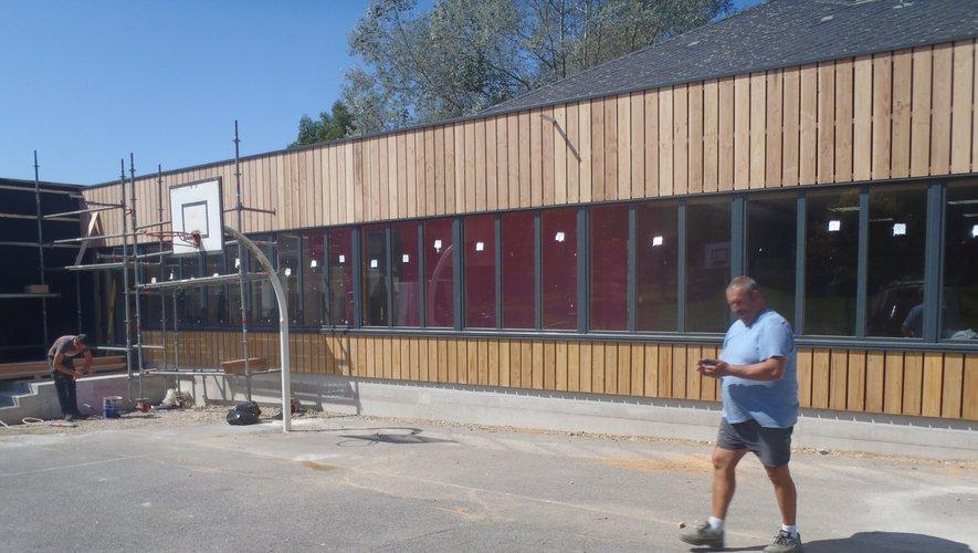 Vue partielle de la façade du nouveau bâtiment.
