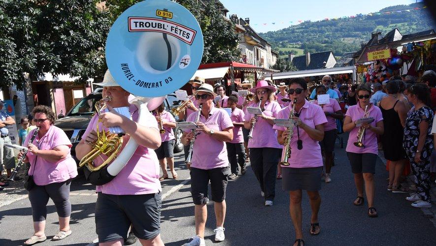 La banda des Troubl'Fêtes a animé le week-end.