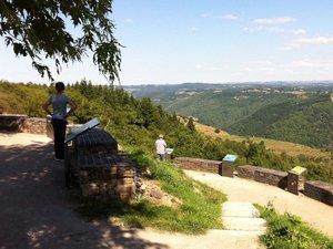 Vue merveilleuse sur la vallée de la Truyère.