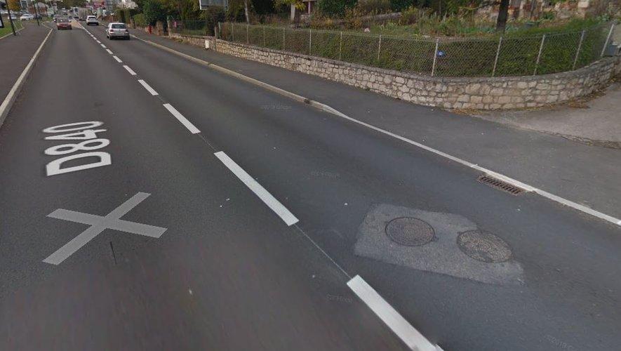 Les faits se sont produits dimanche vers 16h15 sur l'avenue de la Gineste alors que l'octogénaire y circulait à pied.