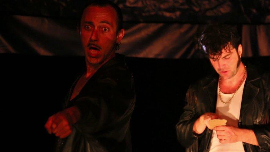 Les Crounards, un spectacle poétique et déjanté sur la place des Artistes.