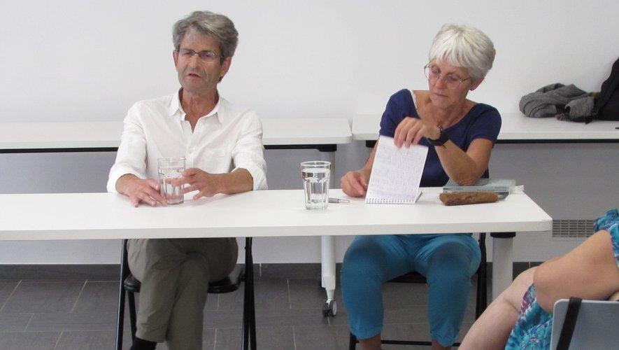 Lionel Duroy aux côtés de Frédérique Vanjak.