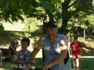Louis et Nicolas Tranier à l'arrivée du bike and run malgré leur incident technique.