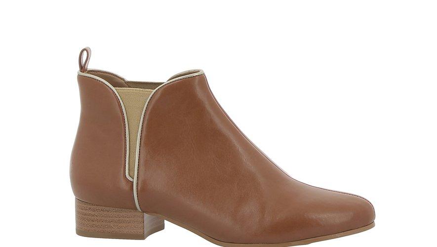 La première collection de chaussures vegan d'André comprend également des bottines.