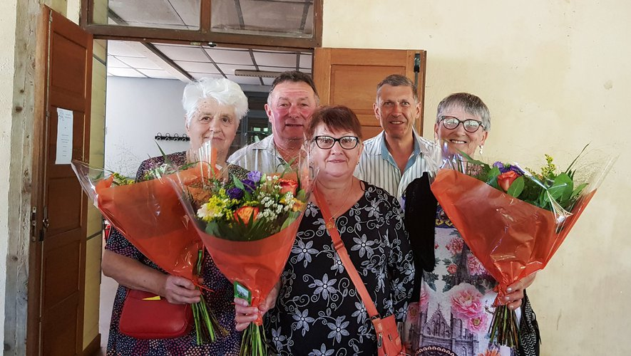Les 80 ans de plusieurs participants ont été fêtés en présence des maires de Pradinas et Tayrac.
