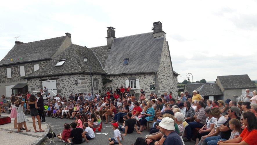 Investissement des associations locales, animations de qualité, participation d'un public de plus en plus nombreux, il semble que le comité des fêtes de Cantoin a trouvé une bonne recette pour animer la fête du village.
