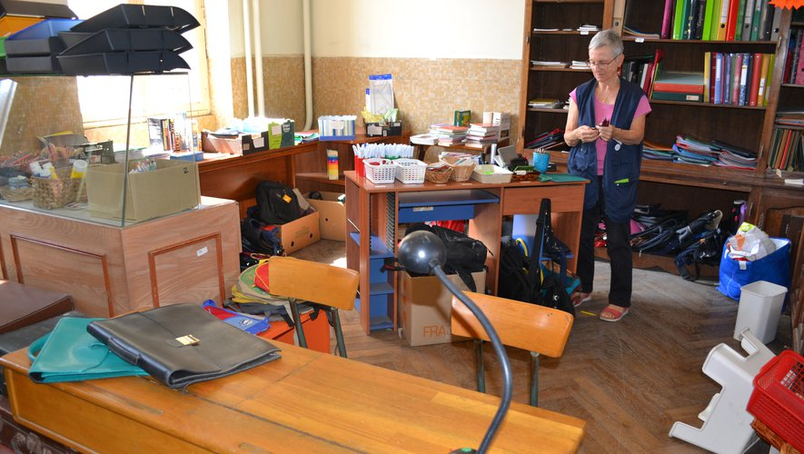 Jusqu'à mi-septembre, une partie du premier étage est consacrée à la rentrée scolaire.