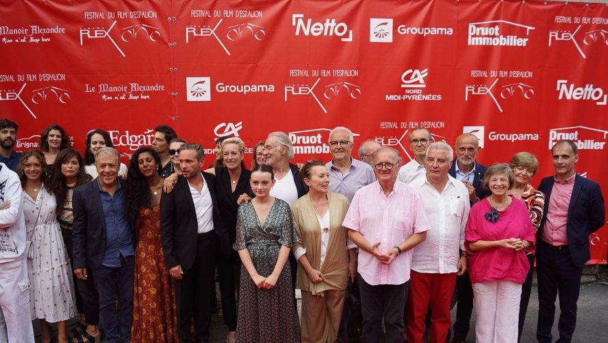 Élus, acteurs et organisateurs sur le tapis rouge.