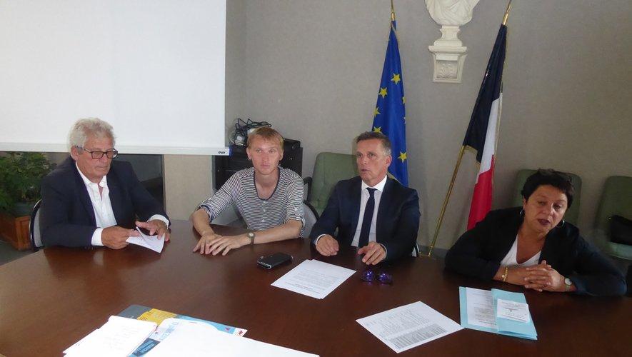 Les participants à la conférence de presse pour annoncer ces deux manifestations autour du maire Jean-Philippe Sadoul.