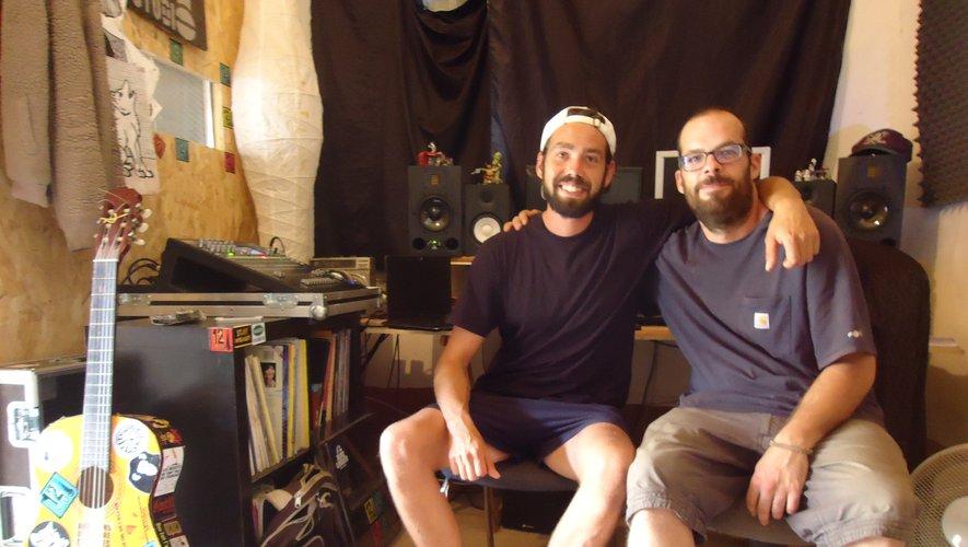 Artistes locaux et férus de rap, Sébastian Hirst et Jean Sandragné deux complices unis par le rap, viennent d'enregistrer dans ce studio du centre-ville.