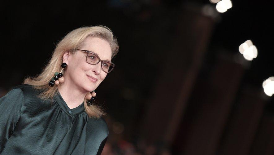 Steven Soderbergh a choisi d'aborder cette histoire par le biais d'une comédie grinçante mettant en scène le destin d'une Madame Tout-le-monde, incarnée par Meryl Streep.
