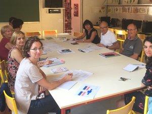 En présence des directrices des écoles de la commune, le maire François Marty a réglé les ultimes détails pour une rentrée sereine.