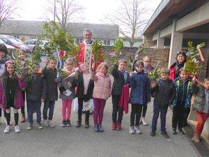 Les enfants des divers relais paroissiaux étaient réunis le dimanche des rameaux.