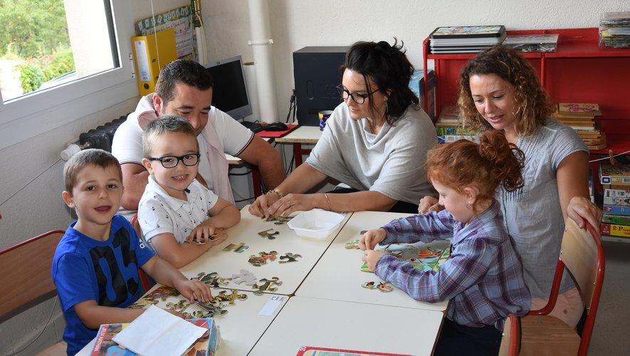 À la maternelle, un petit puzzle en attendant de commencer les choses sérieuses.