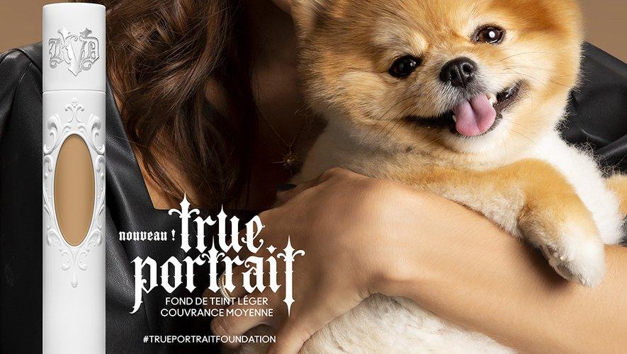 Iris Mittenaere est la nouvelle ambassadrice du fond de teint True Portrait de Kat Von D Beauty.