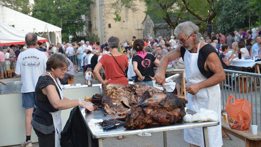 Le repas « veau à la broche » a fait le plein de convives.