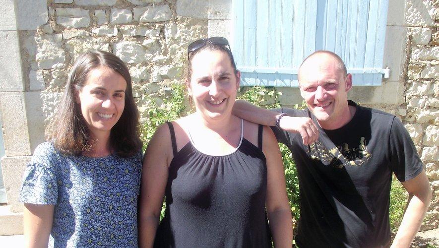 Johann est venu épauler Elodie (au centre) et Sylvie.