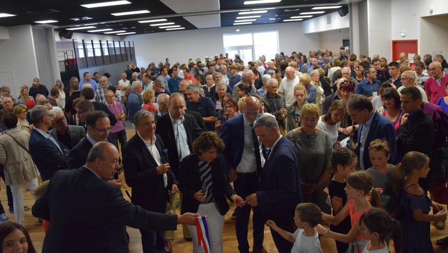 """Plusieurs centaines de Luco-primaubois et un parterre d'élus pour l'inauguration, samedi, du """"nouvel"""" Espace Saint-Exupéry."""