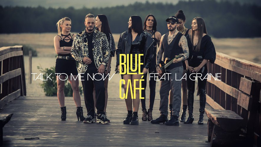 Présent dans le clip tourné au début de l'été, La Graine (2e à gauche) a accompagné le groupe polonais Blue Café dans leur tournée internationale.