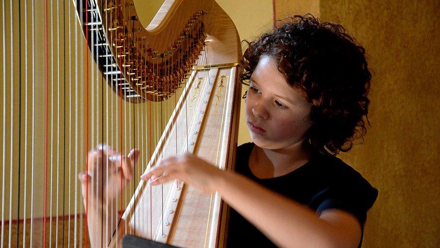 Zoé, 12 ans, princesse de la harpe.