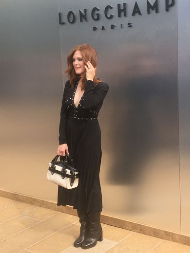 Julianne Moore au défilé Longchamp à New York.