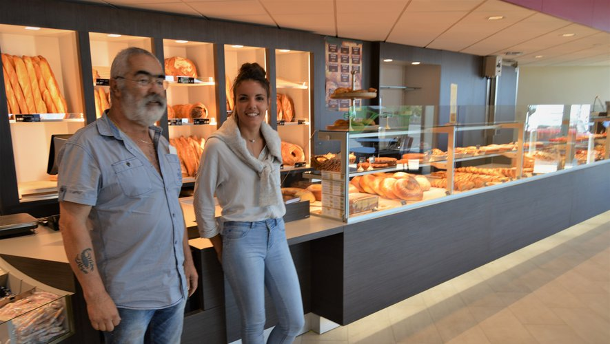 Natacha Molinier et José Pereira (responsables du magasin).