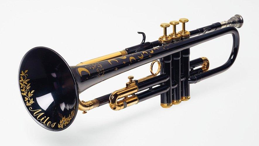 """La maison Christie's inscrit la trompette """"Moon and Stars"""" fabriquée pour Miles Davis au catalogue de sa vente new-yorkaise du 29 octobre."""