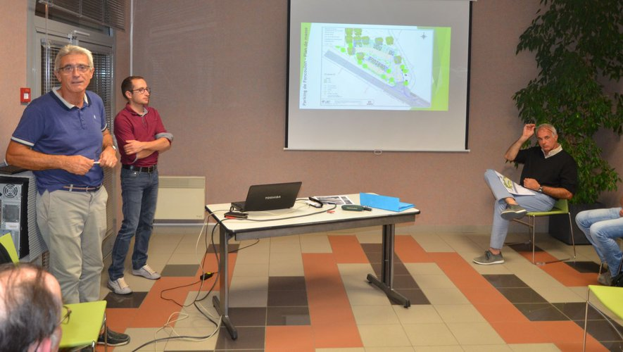 C'est Louis Droc, adjoint au maire, en charge du dossier qui a présenté les différents projets d'aménagements.
