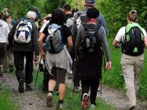 Ensemble, jamais sans les autres, pour être dans le sens de la marche.