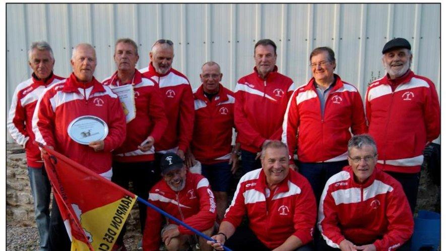 La Pétanque joyeuse Millau 1, championne départementale des clubs vétérans en première division.