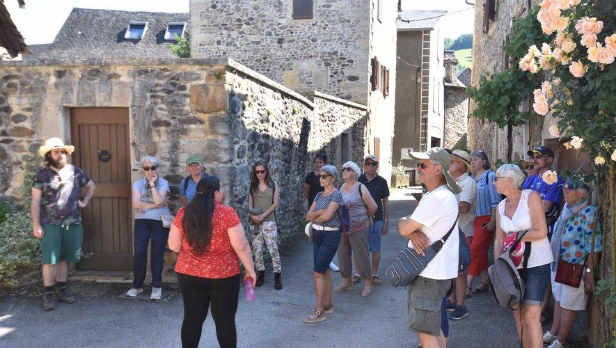 Les visites guidées du village ont enregistré une bonne affluence