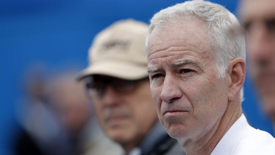 Le joueur de tennis américain John McEnroe a remporté cinq Coupes Davis
