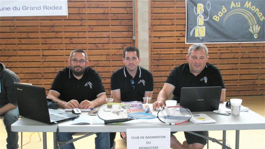 Les dirigeants du club de badminton.