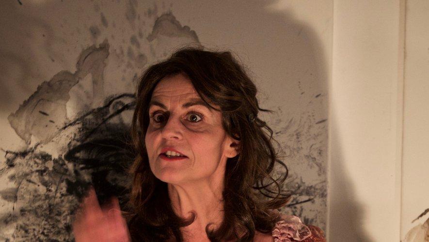Installée depuis longtemps à Toulouse, la comédienne millavoise Dominique Bru n'a rien perdu de sa flamme, ni de son œil pétillant, quand elle parle  de théâtre. Après avoir joué, seule sur scène, notamment, les rôles  de Camille Claudel et d'Olympe de Gouges, elle est passée à George Sand.