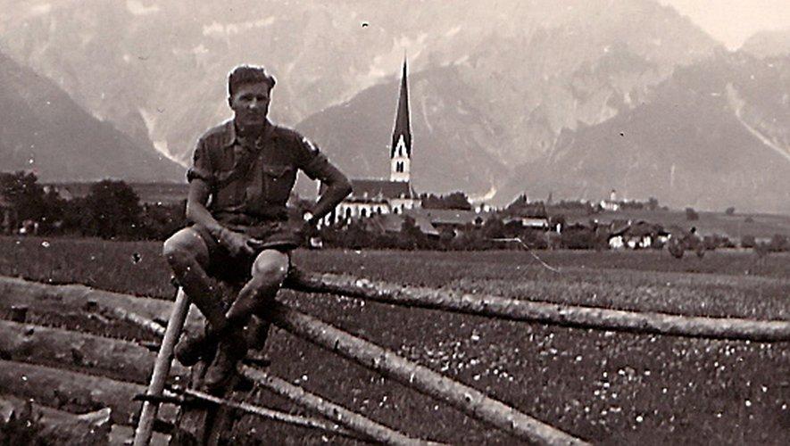 Fernand Grimal prend la pause en Autruche.