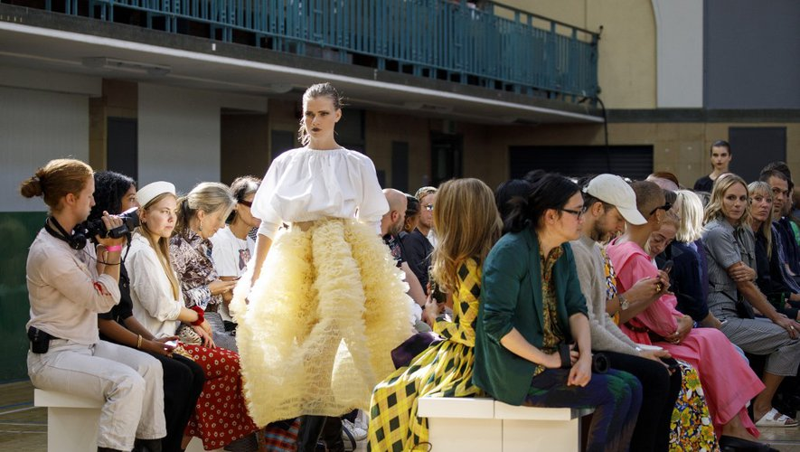 Molly Goddard n'ont pas été déçus avec sa collection des jupes et robes volumineuses.