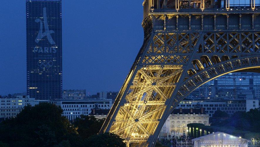 Quelles marques habilleront les sportifs français, mais aussi les bénévoles et les officiels aux Jeux olympiques et paralympiques de Paris-2024 ?