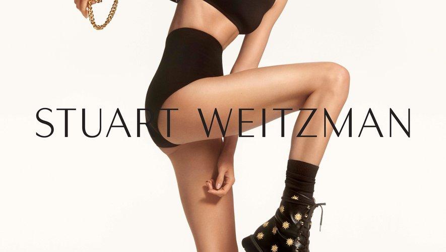 Kendall Jenner renouvelle sa collaboration avec Stuart Weitzman pour l'automne 2019.
