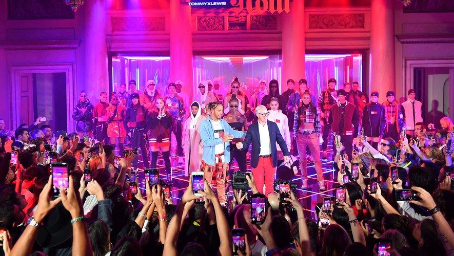 Tommy Hilfiger et Lewis Hamilton présentent la collection TommyxLewis automne 2019 à Milan.