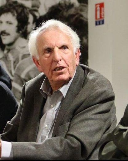 Jean Fabre : « Nous jouons beaucoup trop de matches comparé à d'autres nations. Le rugby est une affaire de fraîcheur ».